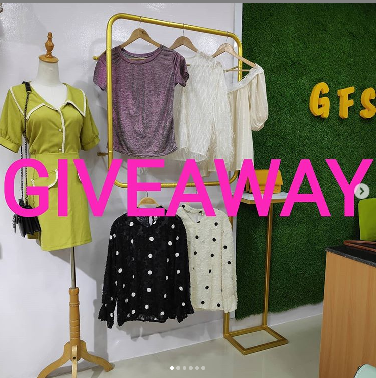 Read more about the article Glitterzfashionstore Massive Giveaway